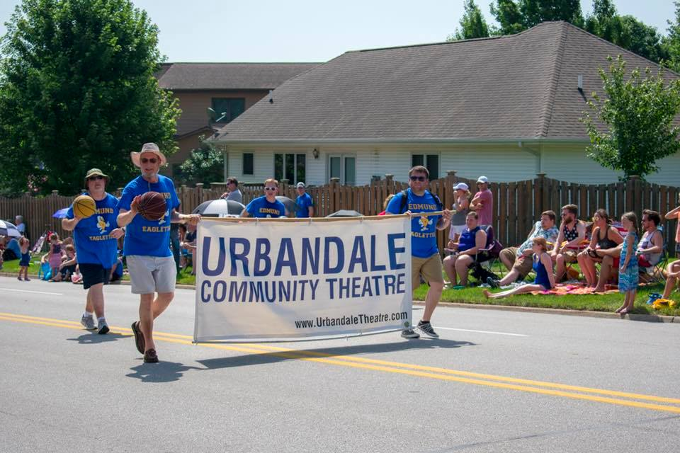 six-on-six-urbandale-parade-02