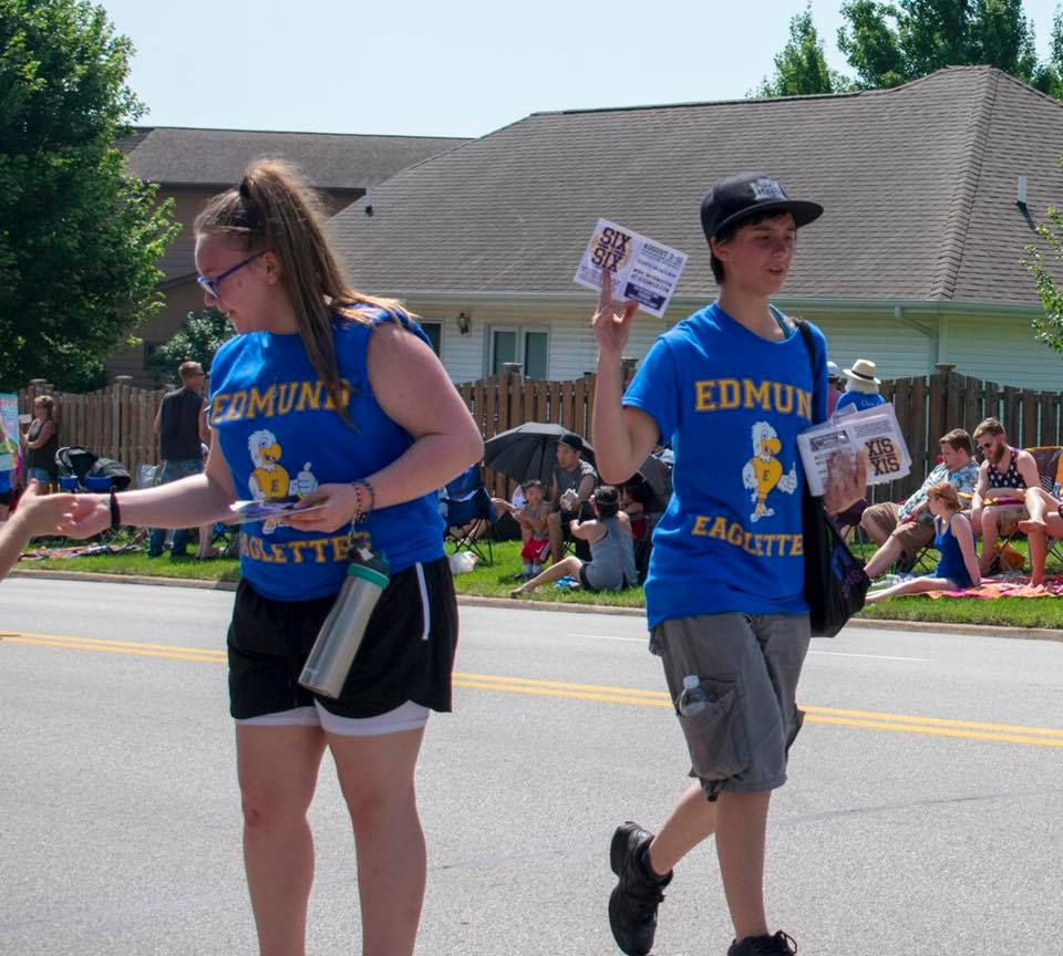six-on-six-urbandale-parade-03